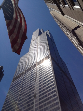 willis: The Willis Tower Chicago and a US Flag