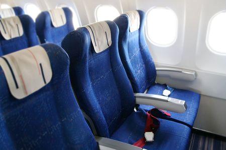 caba�a: filas de asientos en la cabina del avi�n de