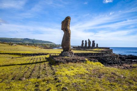 rapanui: Estatuas de Moais, ahu tahai, isla de pascua, Chile