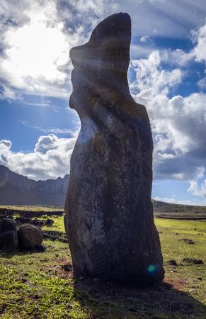 Moai estatua, ahu Tongariki, isla de pascua, Chile Foto de archivo