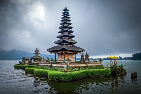Templo de Pura Ulun Danu Bratan en bedugul, Bali, Indonesia