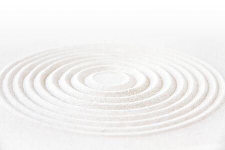 Cercle dans le sable. Scène de fond de jardin japonais zen