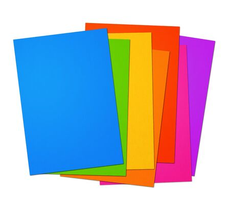 Arcobaleno colorato Gamma di fogli di carta A4 vuoti isolati su sfondo bianco