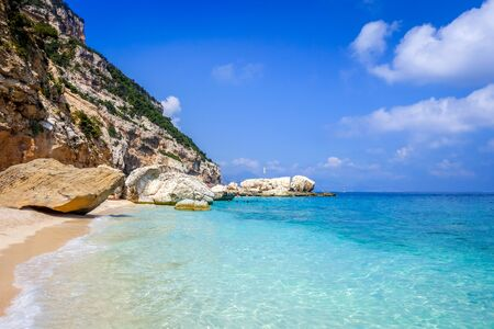 Cala Mariolu beach in the Golf of Orosei, Sardinia, Italy Banque d'images - 143001657