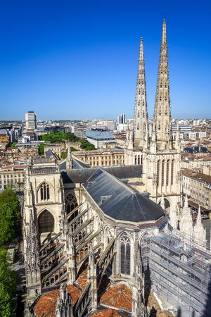 City of Bordeaux and Saint-Andre Cathedral Aerial view from the Pey-Berland tower, France Banque d'images