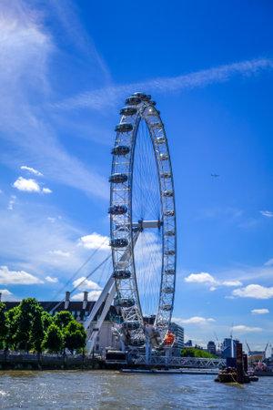 London/UK - June 3, 2017 - London Eye on Thames river, UK Éditoriale