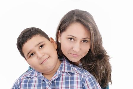 madre soltera: Madre e hijo - aislados en un fondo blanco