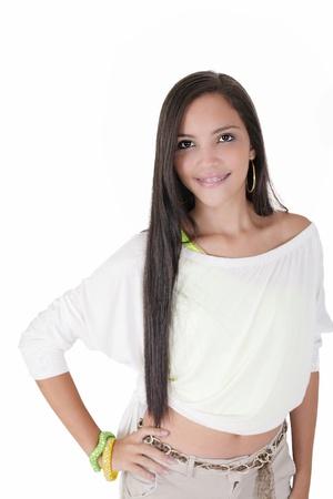 ortodoncia: Linda chica adolescente hispánica con tirantes y una gran sonrisa Foto de archivo