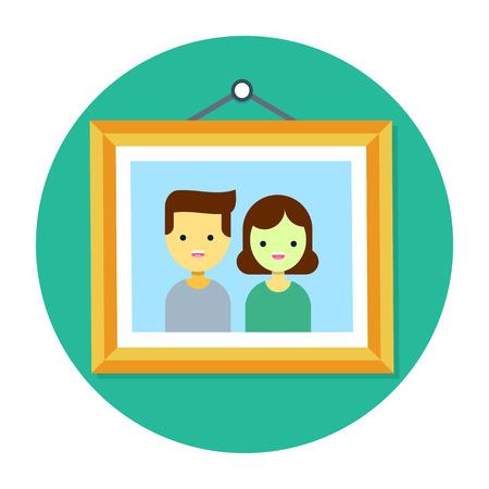 壁に掛かっている木製のフレームのカップルの写真
