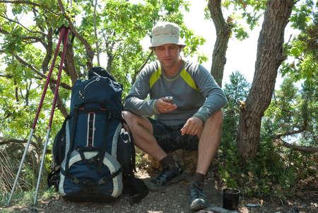 halt: Hiker send message on a halt
