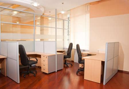 muebles de oficina: Interior de la Oficina moderna - lugar de trabajo Foto de archivo