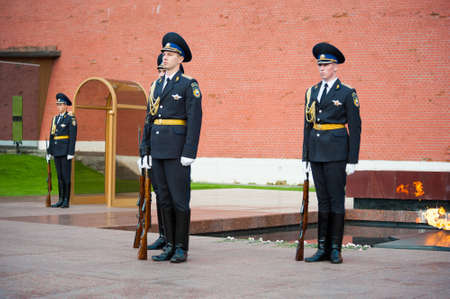tomb of the unknown soldier: MOSCOW - SEPTEMBER 16: Hourly change of the Guard of Honor at the tomb of the Unknown Soldier at the wall of Kremlin on September 16, 2012 in Moscow. Russia.