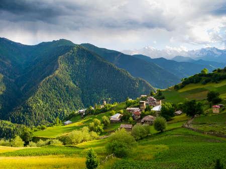 svan: Paesaggio del villaggio Ieli in Svaneti, Georgia Archivio Fotografico