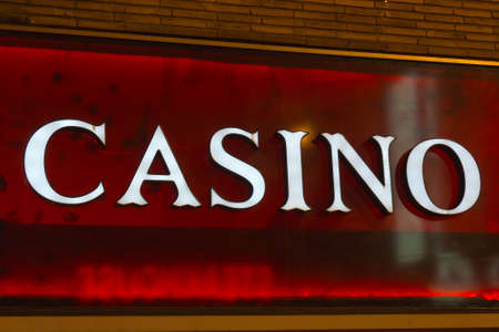 royale: Casino sign