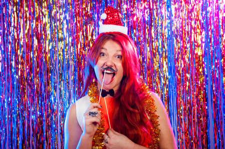 若い素敵な女の子はパーティで楽しい時を過す 写真素材 - 49276183