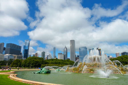 Chicago, USA - September 16, 2018: Panorama of fountain at day time, Buckingham Fountain is a Chicago landmark in the center of Grant Park, dedicated in 1927 新闻类图片