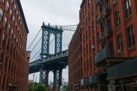 Paisaje diurno del puente de Manhattan, Nueva York
