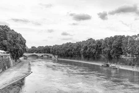 tiber: El r�o T�ber en Roma