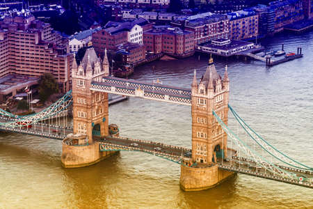 aereal: Aereal view of the London Bridge.