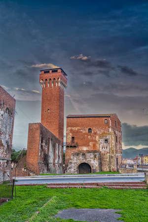 river arno: Cittadella: Old building along the river arno. Stock Photo