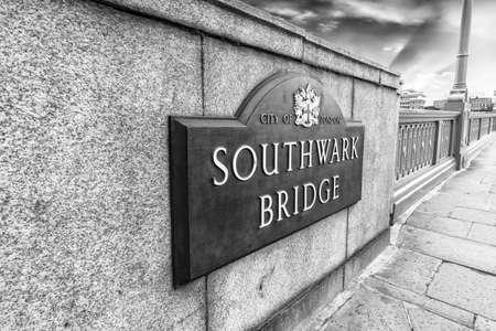 southwark: Southwark Bridge sign. Stock Photo