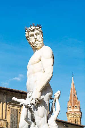 neptuno: La estatua de Neptuno en la Piazza della Signoria, en Florencia.