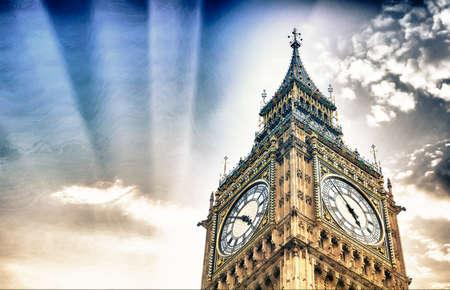 bigben: The BigBen in London.