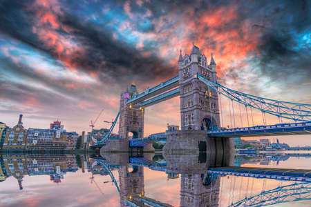 London Bridge at sunset. Archivio Fotografico