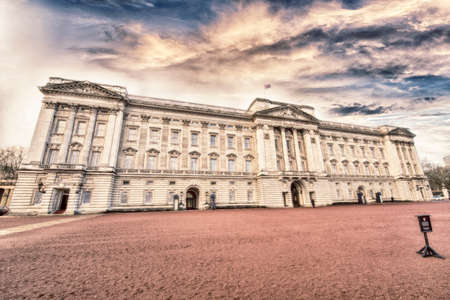 places of interest: The Royal Palace.