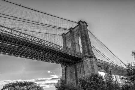 Brooklyn Bridge pylon Details .