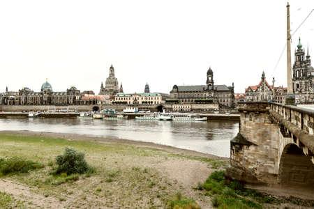 Dreseden and river Elba. 스톡 콘텐츠 - 148304011