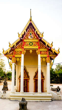 This temple it is public  place foe any tourist to learn about culture of Thailand