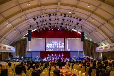 BANGKOK, Thailandia-JUNE9: Bangkok Milal Missionary Choir nel coro celebrato Noah il 9 Giugno 2013 a bordo dell'Arca cristiana Thailandia a Bangkok, Thailandia.