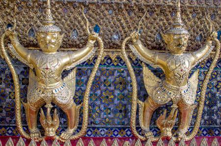 Oro Garuda a Bangkok Grand Palace, simbolo dello Stato della Thailandia, Wat Phra Kaeo a Bangkok Thailandia Archivio Fotografico
