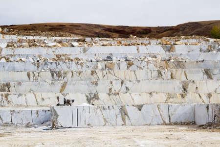 Carrière de marbre, marbre blanc, marbre de fond, la texture des pierres Banque d'images - 34697285