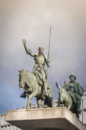 Don Quichotte Statue Pointant Vers La Grand-Place, Bruxelles ...