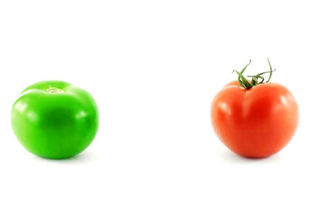 dissimilarity: Green and red tomatoes