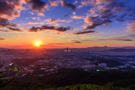 Sunset the seoul city and Downtown skyline in Seoul, South Korea