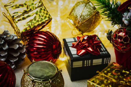 Christmas Festive Decoration Set and a Gift Box Standard-Bild