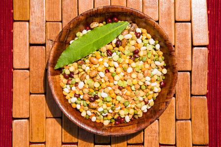 混合のマメ科植物が高い栄養価であります。 写真素材
