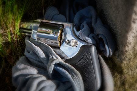 magnum: Revolver MAGNUM 357 comme preuve du crime
