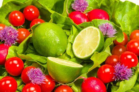 cebollines: Lechuga, rábanos, cebollino, tomates cal y cereza