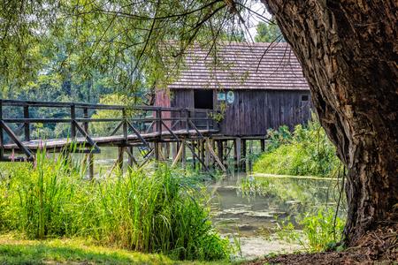 molino de agua: Watermill on Small Danube near the village Tomasikovo, Slovakia, Europe Foto de archivo
