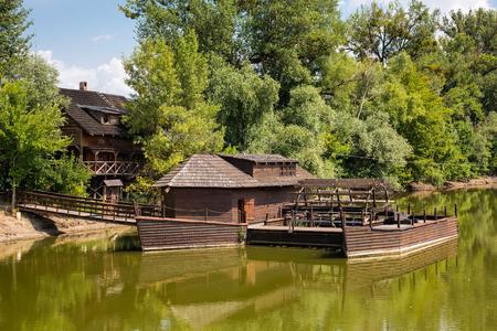 molino de agua: Molino de agua en Peque�o Danubio cerca del pueblo Kolarovo, Eslovaquia, Europa