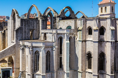 convento: Carmo Convent in Lisbon, Portugal. The medieval convent was ruined during the sequence of the 1755 Lisbon earthquake.