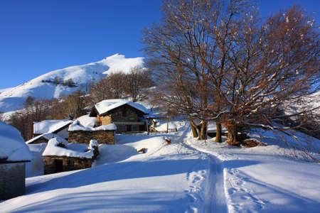rurale: Rural town with snow