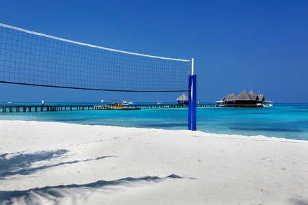 ballon volley: volley net sur la plage � l'�le des Maldives Banque d'images