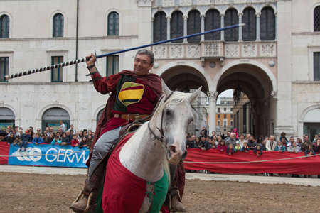 Italy, Brescia - October 01 2017: the view of the knight at the traditional tournament at celebrations of Caterina Cornaro is coming to the city, medieval festival in Brescia on October 01 2017, Lombardy, Italy. Sajtókép