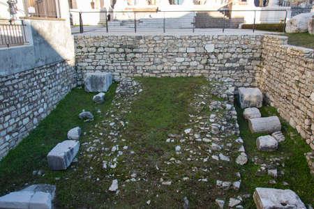 Italy, Brescia - December 24 2017: the view ancient Roman temple of Capitolium in Brescia, UNESCO World Heritage Site on December 24 2017 in Brescia, Lombardy, Italy. 写真素材 - 133709455