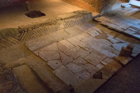 Italy, Brescia - December 24 2017: the view of the remains of Domus of the fountains in the Museum of Santa Giulia on December 24 2017 in Brescia, Lombardy, Italy. 写真素材 - 133709541